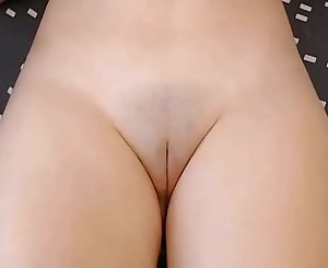 Beautiful pussy, I want to put my penis on it